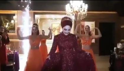 حلال لأردوغان حرام للشعب.. رقصات فاحشة في حفلات «العدالة والتنمية» (فيديو)
