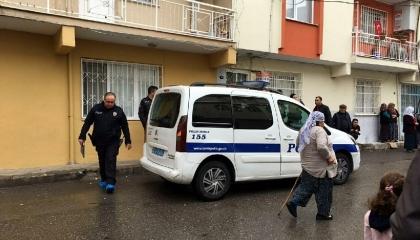 أبلغ بنفسه الشرطة التركية.. زوج يقتل زوجته بالفأس في إزمير