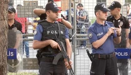 عرض مستمر لمسلسل القمع التركي.. أردوغان يعتقل 5 من رؤساء البلديات الأكراد