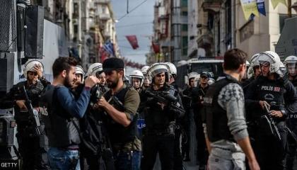 الشرطة التركية تداهم منازل الأكراد فجرًا في 3 محافظات وتعتقل 16 مواطنًا