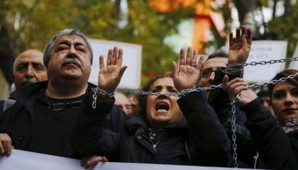 «حافلة الحرية» تفضح فظائع نظام أردوغان في شوارع أمريكا