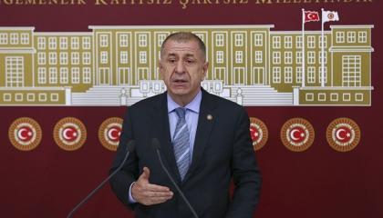نائب معارض ينتقد داوود أوغلو وباباجان: لم ولن يقدموا أي شيء لتركيا