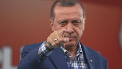 حزب أردوغان يقترح فرض «ضريبة عزوبية».. والأتراك يسخرون