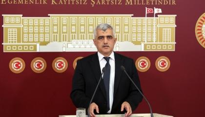 بالفيديو.. برلماني تركي: المعتقلون يموتون في السجون بسبب الإضراب عن الطعام