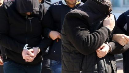 ضباط وطيارون وقيادات الدرج.. أردوغان يعتقل نحو 100 عسكري في 49 مدينة
