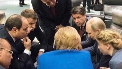 أتراك يبرزون صورة السيسي مع قادة العالم ويسخرون من أردوغان: هناك شخص «ناقص»