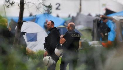 اليونان ترحل إلى تركيا  30 لاجئًا يوميًا