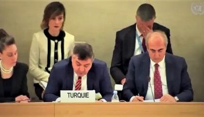 بالفيديو.. «إنجليزية» نائب وزير الخارجية التركي تثير موجة سخرية بأنقرة