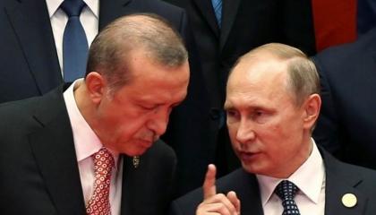 بالفيديو.. إذلال أردوغان على باب بوتين.. انتظر كما لو كان موظفًا صغيرًا