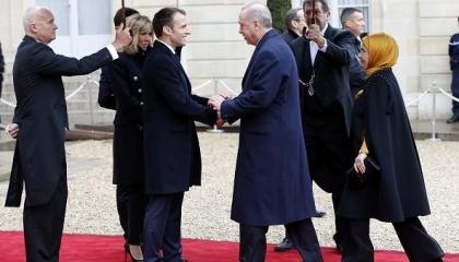 فرنسا تستعد لمنع دخول المعلمين الأتراك