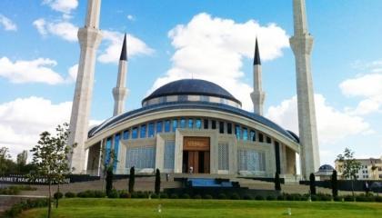 «النسوية حرام» و«اشتهاء الأب لابنته حلال».. هل تدعو تركيا لإسلام جديد؟