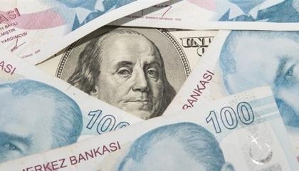 خبير تركي يتوقع ارتفاع سعر الدولار إلى 15 ليرة خلال الأيام المقبلة