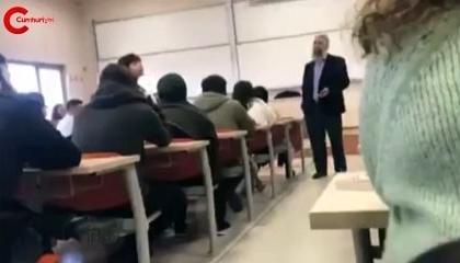 تركوا له الفصل بشكل جماعي.. أستاذ جامعي تركي يدافع عن زواج الأطفال