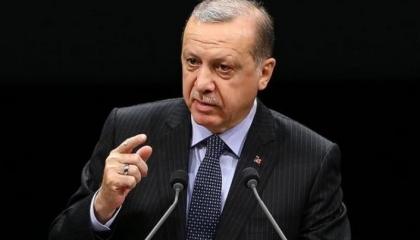 أردوغان ينتقم من رجل أعمال تركي شهير برأته المحاكم: الإفراج عنه مناورة