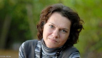 روائية تركية تخشى العودة إلى بلادها: تعني الموت