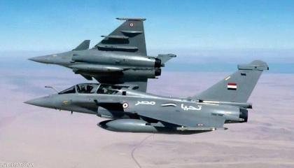 مصر وفرنسا تنفذان تدريبًا جويًّا بمشاركة  «شارل ديجول» بالمتوسط