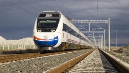 تركيا توقف رحلات القطار المتجه من وإلى إيران بسبب تفشي «كورونا»