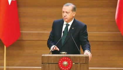 أردوغان يعترف بمقتل اثنين من جنود الاحتلال التركي في ليبيا