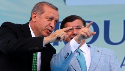 بالفيديو.. داوود أوغلو: «مذبحة إدلب» الأكثر ألمًا في تاريخ تركيا