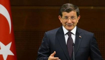 داوود أوغلو ينتقد التحالفات السياسية بتركيا: أثرت سلبًا على الأحزاب