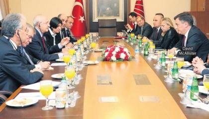 زعيم المعارضة التركية لوفد أوروبي: مستعدون لـ«انتخابات مبكرة»