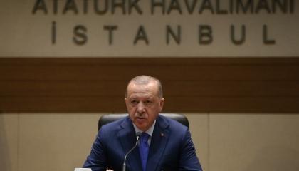 أردوغان في اجتماع عاجل بعد تدهور وضع جيشه في إدلب.. ونشطاء: 50 قتيلا اليوم