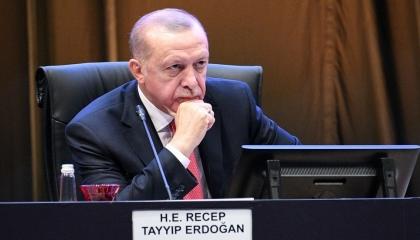 تأكيدًا لخبر «تركيا الآن».. أردوغان في اجتماع عاجل بعد تدهور وضع جيشه بإدلب