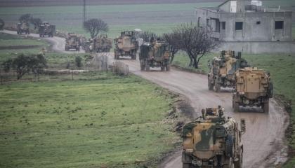 تركيا تستهدف بالمدفعية الجيش السوري بعد مقتل 34 عسكريًًا في إدلب
