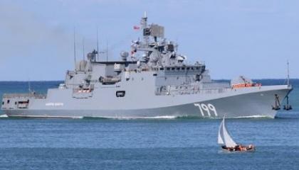 روسيا تصعد وتعيد فرقاطتين لسواحل سوريا بعد مقتل الجنود الأتراك