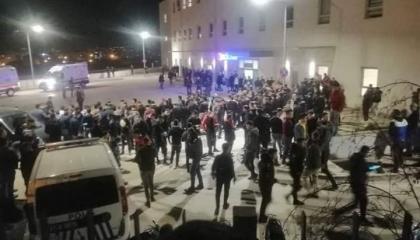 احتشاد الأتراك أمام مستشفى الريحانية عقب خسائر أردوغان بإدلب