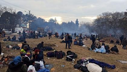 فيديوجراف: أردوغان يتاجر باللاجئين.. والأطفال يغرقون أثناء عبور حدود تركيا