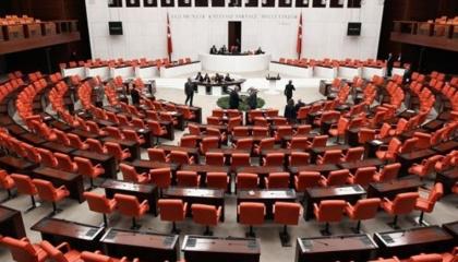 حزب أردوغان يدعو نواب البرلمان لاجتماع مغلق لتقييم التطورات في إدلب