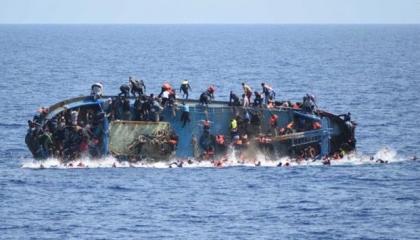 مقتل طفل لاجئ غرقًا في طريقه من تركيا إلى اليونان