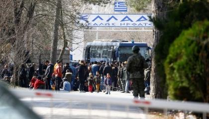 اليونان: نتوقع دعمًا قويًا من الاتحاد الأوروبي في مسألة اللاجئين