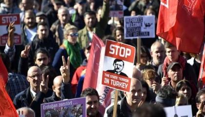 الاتحاد الدولي للصحفيين يطالب أردوغان بضمان أمن الإعلاميين في تركيا