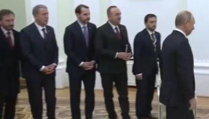 مؤيدو علي باباجان يسخرون من إذلال الوزراء الأتراك أمام الرئيس الروسي