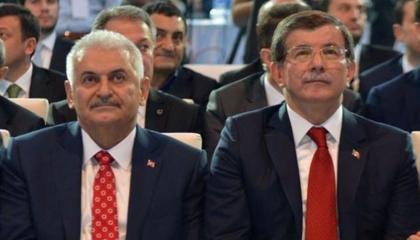 داوود أوغلو يهدد رجال أردوغان بـ«الدفاتر القديمة»: لن تستطيعوا مواجهة الناس