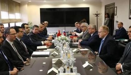الدفاع التركية تعلن انتهاء مباحثات الأربعاء مع الوفد الروسي بشأن إدلب