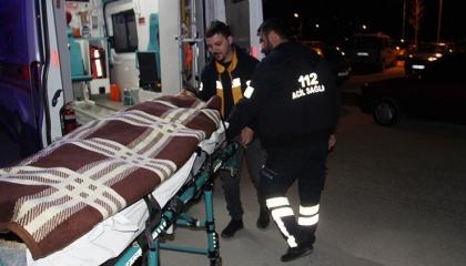 مواطن تركي يطعن أفغانيًا بالسكين ويزعم: ينشر «كورونا» في البلاد