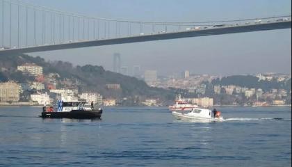 انتحار مواطن تركي قفزًا من جسر السلطان محمد الفاتح