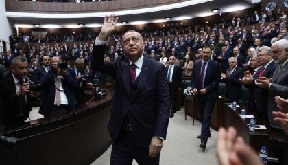 حزب أردوغان يؤجر «خالتي فرنسا» بـ7 آلاف ليرة شهريًا لإهانة المعارضة التركية