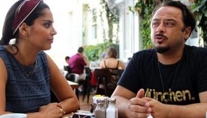 بالفيديو: مذيع تركي مصاب بـ«كورونا» يستغيث من الإهمال في الحجر الصحي