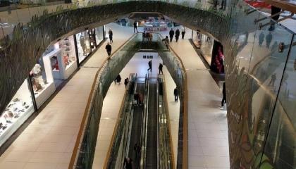 إغلاق المحلات التجارية في تركيا بسبب انتشار كورونا