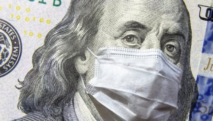 الليرة التركية تواصل هبوطها أمام الدولار بسبب «كورونا»
