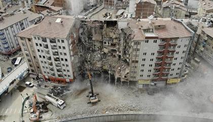 55 زلزالًا خلال 12 ساعة في محافظة إلازيغ التركية