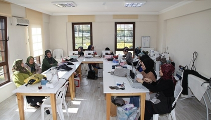 وزارة التعليم التركية تهدد المعلمين بقطع الأجور حال توقف الدراسة