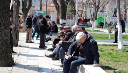 تركيا تفرض حظر التجوال على المسنين وأصحاب الأمراض المزمنة