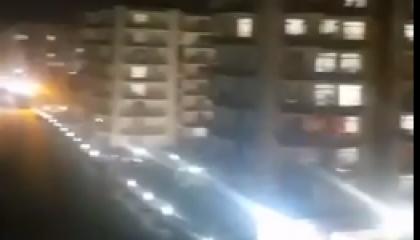 في زمن «كورونا».. الأتراك يحتجون ضد أوصياء أردوغان عبر النوافذ (فيديو)