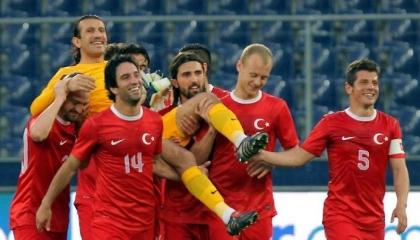 """حَرَس مرمى منتخب تركيا في كأس العالم 2002.. إصابة """"رتشبر"""" بكورونا"""