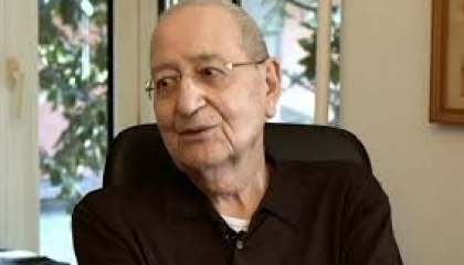 كاتب  تركي يحمل الشؤون الدينية مسؤولية أداء أردوغان لصلاة الجمعة